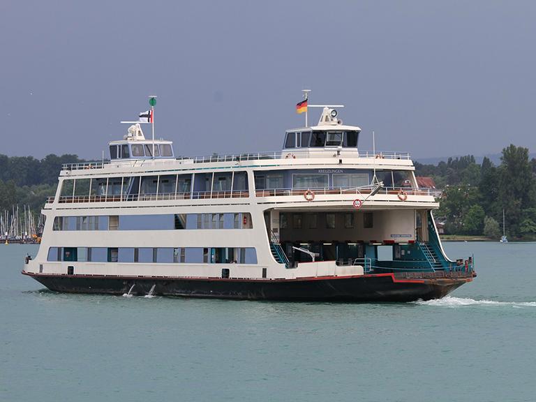 Traghetto sull'acqua