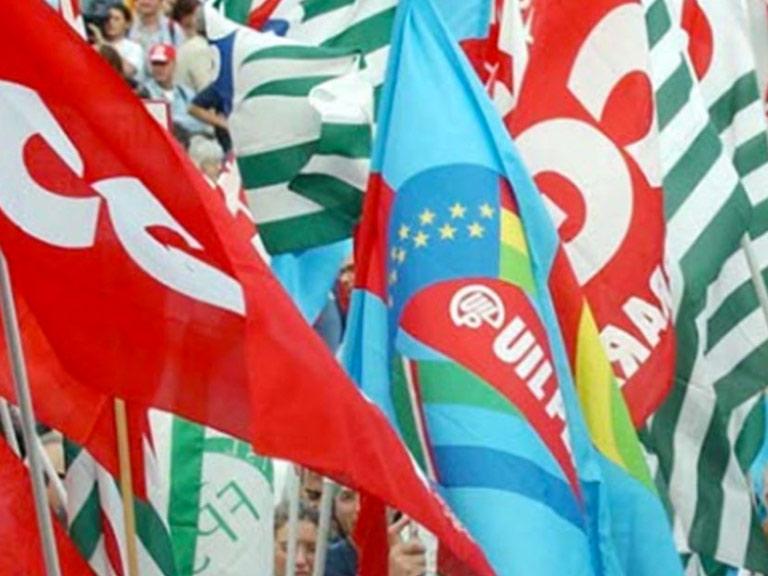 Bandiere sindacati CGIL CISL UIL