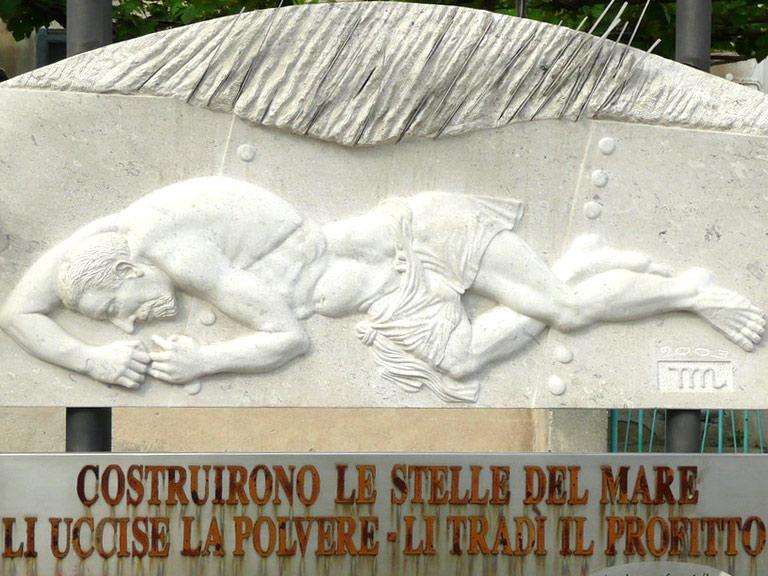 Monumento ai lavoratori dei Cantieri Navali di Monfalcone morti per patologie asbesto correlate